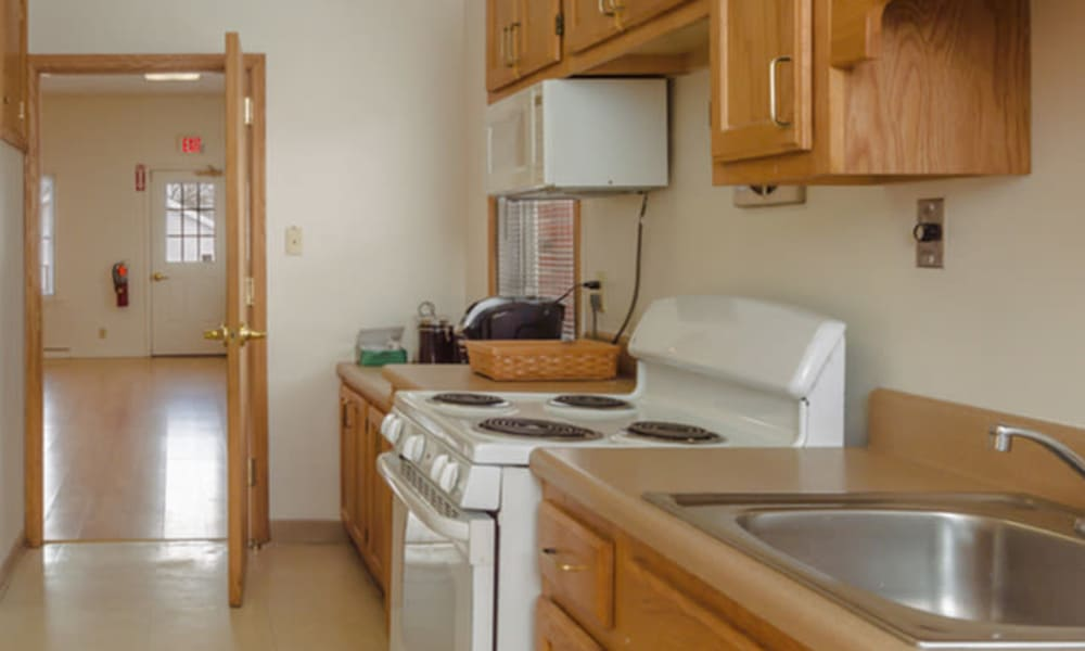 Well equipped kitchen at Rochester Highlands