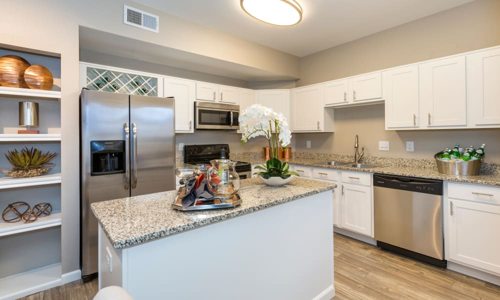 Beautiful kitchen at Retreat at Cheyenne Mountain Apartments in Colorado Springs, Colorado
