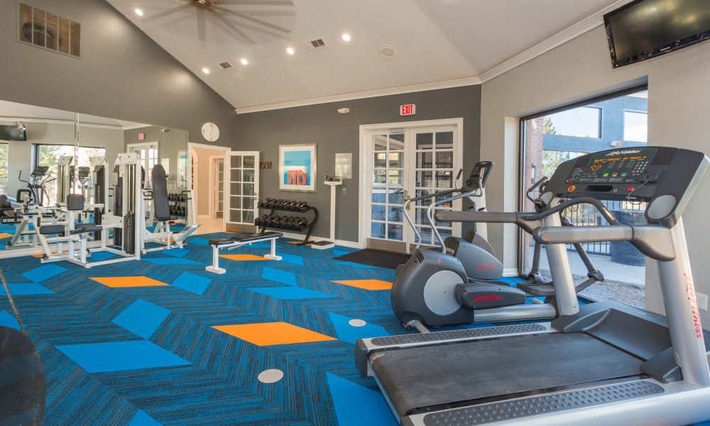 Modern fitness center at Retreat at Cheyenne Mountain Apartments in Colorado Springs, Colorado