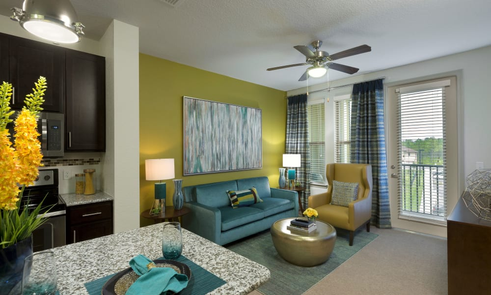 Sands Parc offers a beautiful living room in Daytona Beach, Florida