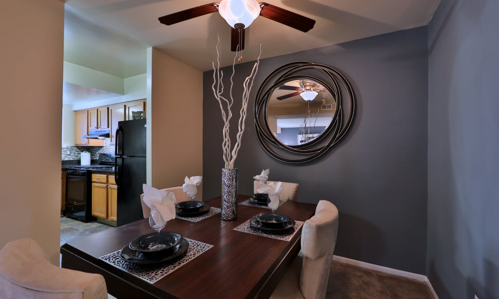 Beautiful dining room with ceiling fan at lnTaylor Park Apartment Homes in Nottingham, MD