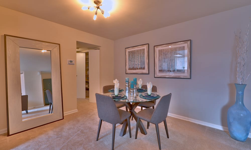 Dining room at Princeton Estates Apartment Homes