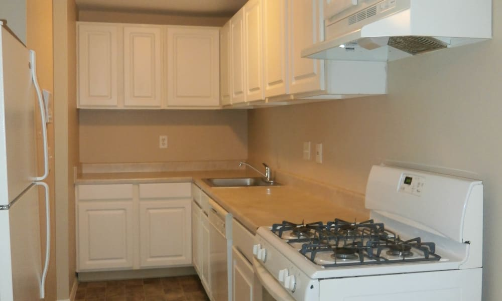 Renovated Kitchens at Fairway Trails Apartments in Ypsilanti, MI
