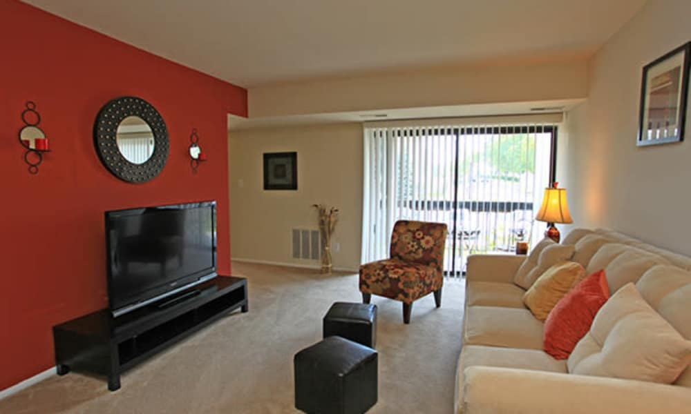 Carriage Hill Apartment Homes showcases a luxury living room in Randallstown