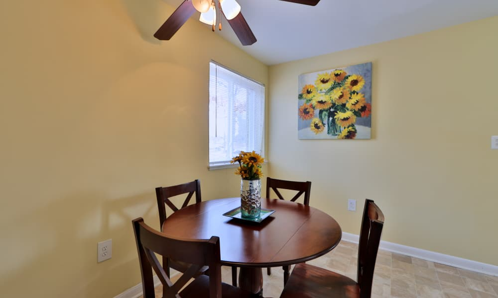 Dining area at Gwynn Oaks Landing Apartments & Townhomes