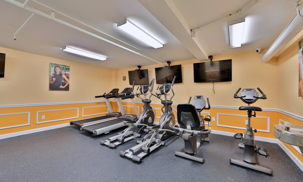 Fitness center at Kings Park Plaza Apartment Homes in Hyattsville