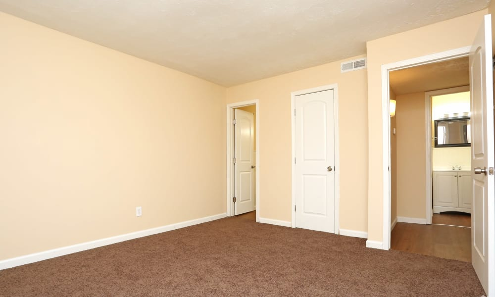 Our apartments in Lexington, Kentucky offer a bedroom with bathroom