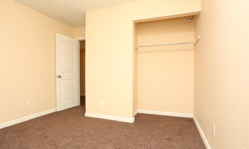 Spacious bedroom at King Henry Apartments