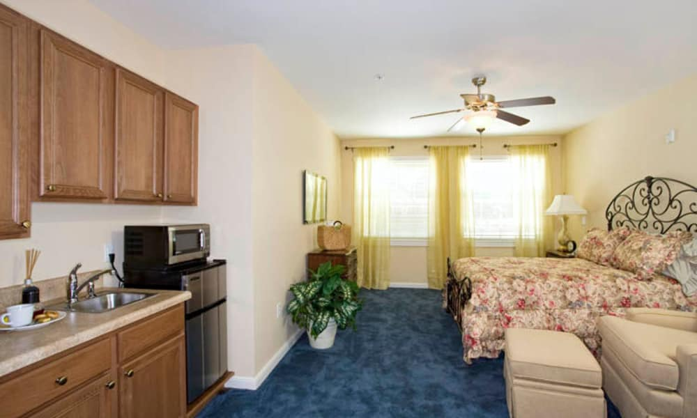 Our senior living facility in Lakeland, Florida offer a bedroom