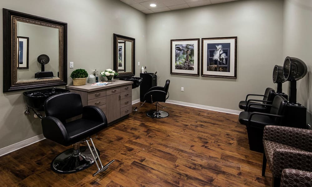 Beauty and barber shopat Arbor Hills in Lakeland, Florida
