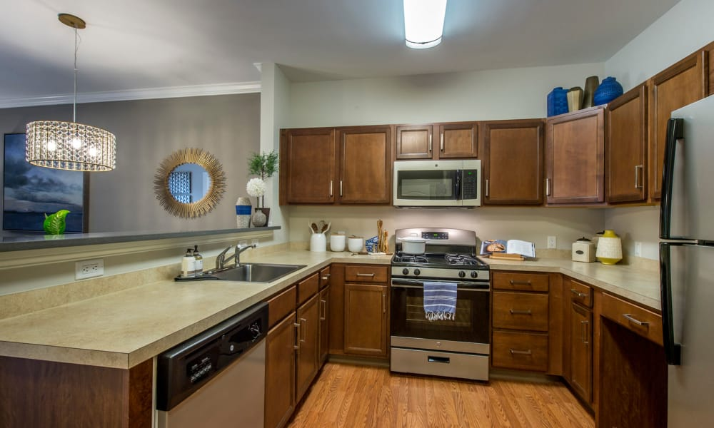 Fully-equipped kitchen at The Cove at Riverwinds