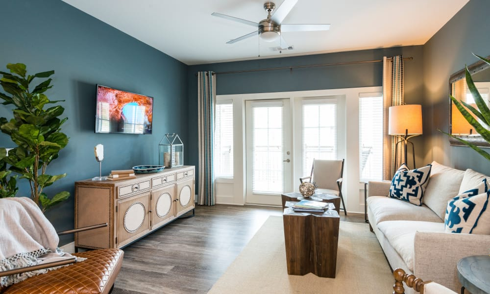 Our apartments in Charleston, South Carolina have a naturally well-lit living room