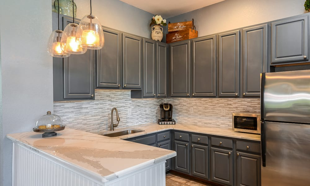 Up-scale apartment kitchen at Audubon Oaks in Lakeland, Florida