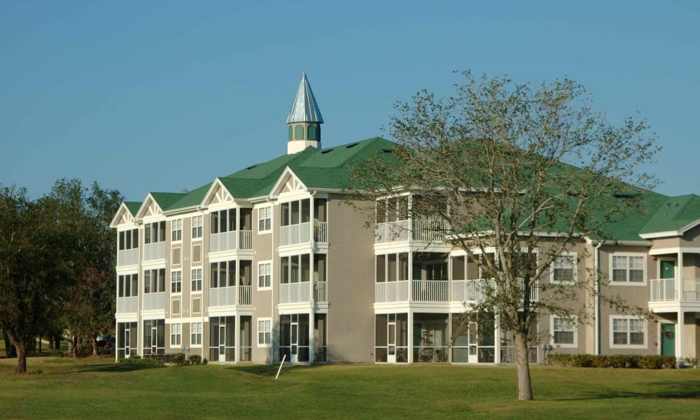 A view of the Audubon Oaks building in Lakeland, Florida