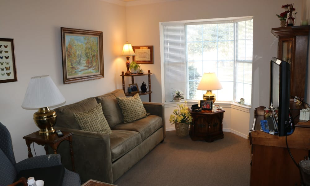 Resident living room at Azalea Estates of Gonzales in Gonzales, LA