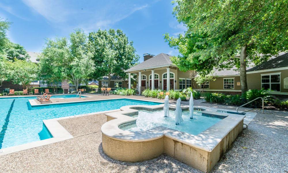 Fountain at Manor at Castle Hills in San Antonio
