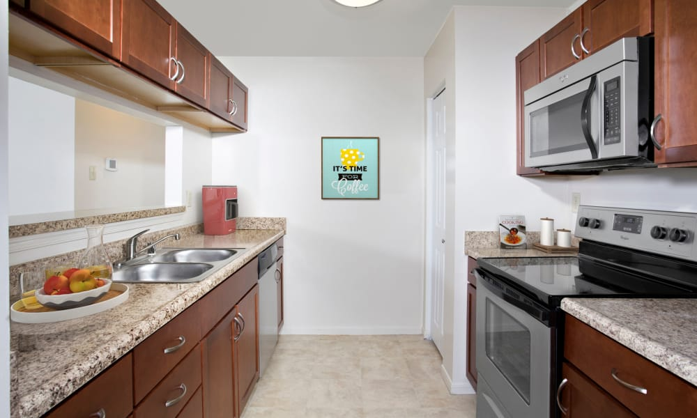 Gateway Village Apartments offers a well-equipped kitchen in Jessup, MD