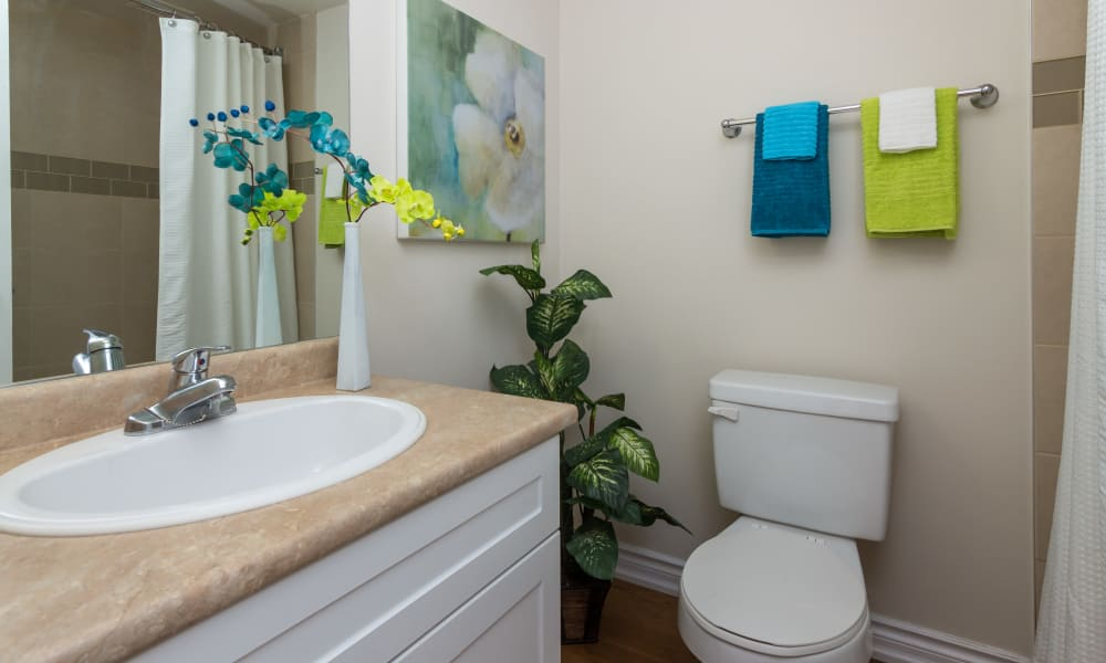 Spacious bathroom at Glenmore Heights apartments in Calgary