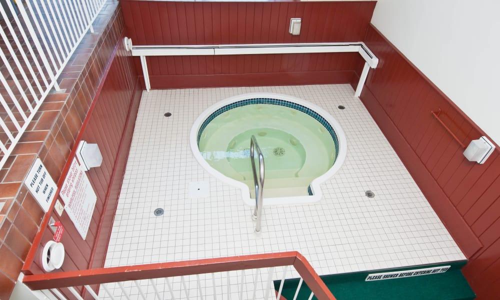 Hot tub at Saskatoon Tower in Saskatoon, Saskatchewan