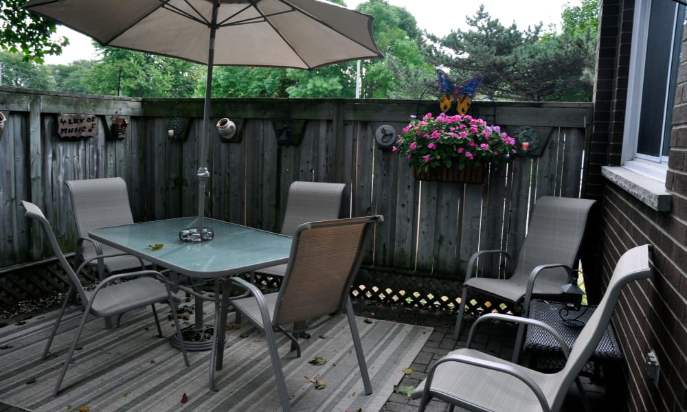 A private patio at Georgian Court Estates in Burlington, Ontario