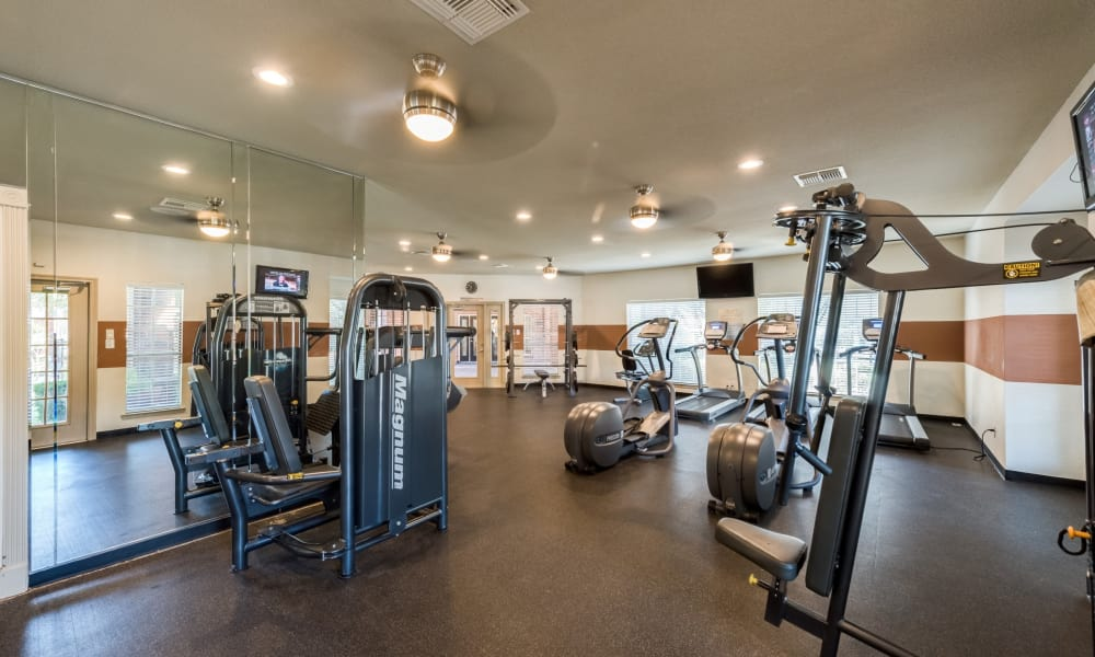 The Paramount offers a fitness area in Houston, Texas