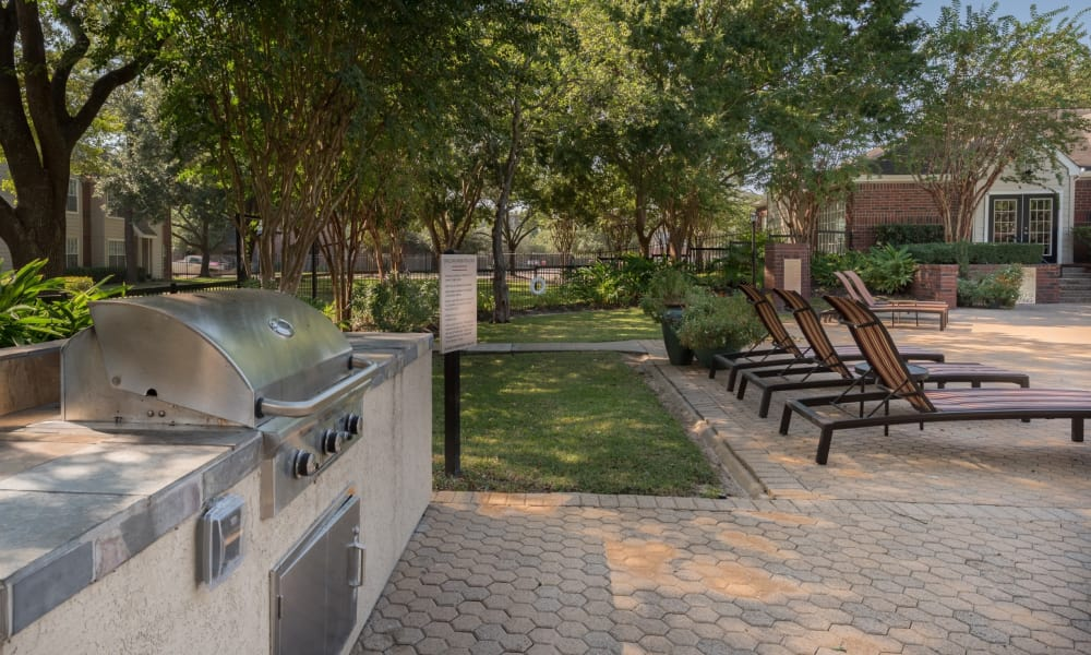The Paramount offers a barbecue area in Houston, Texas