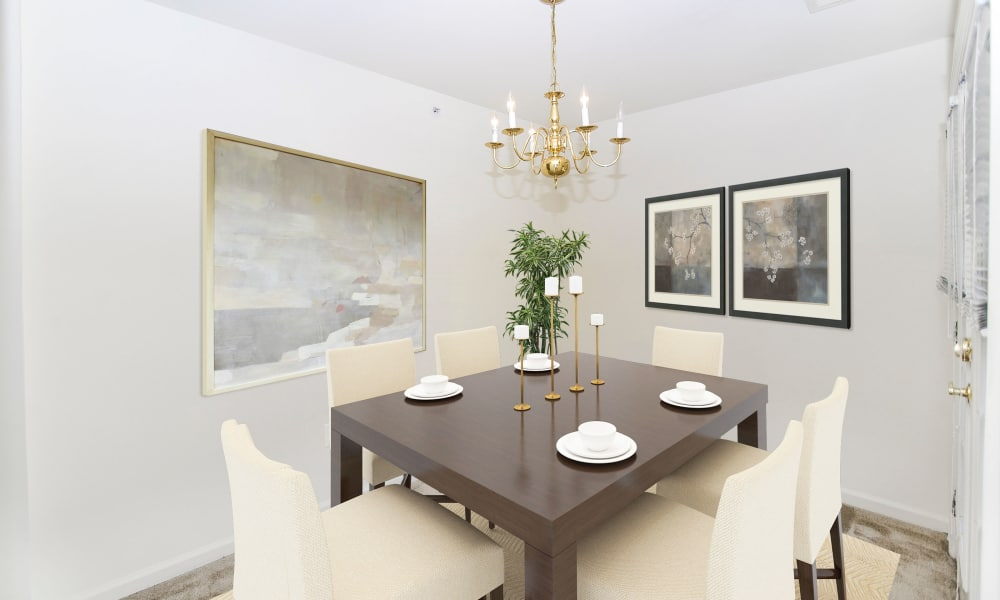 Dining Room at The Horizons at Franklin Lakes Apartment Homes in Franklin Lakes, New Jersey