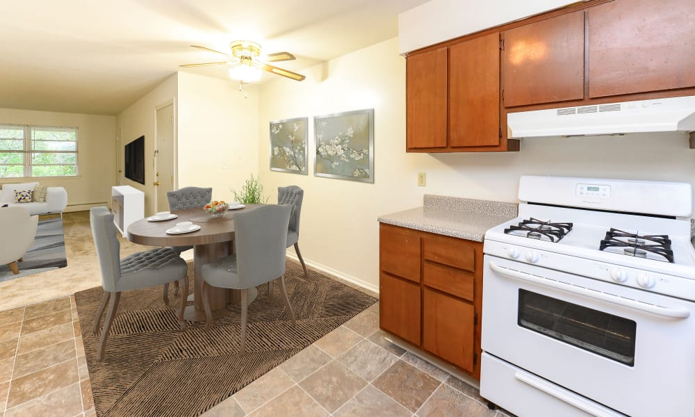 Dining Room & Kitchen at Lakeview Terrace Apartment Homes in Eatontown, New Jersey