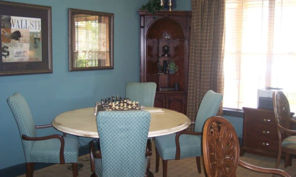 Dining table at Stone Lake Apartments in Grand Prairie, Texas