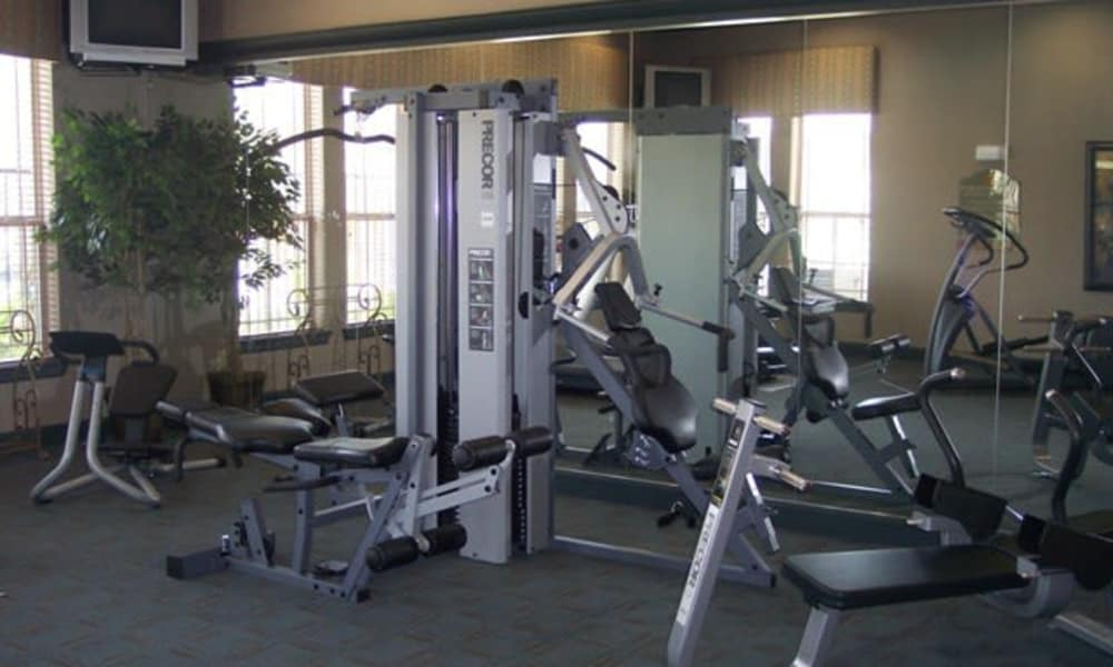 Fitness center at Stone Lake Apartments in Grand Prairie, Texas
