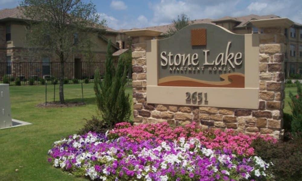 Entrance monument at Stone Lake Apartments in Grand Prairie, Texas