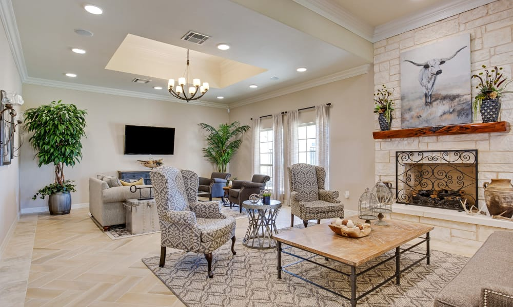 Clubhouse living room at Longhorn Crossing in Fort Worth, Texas