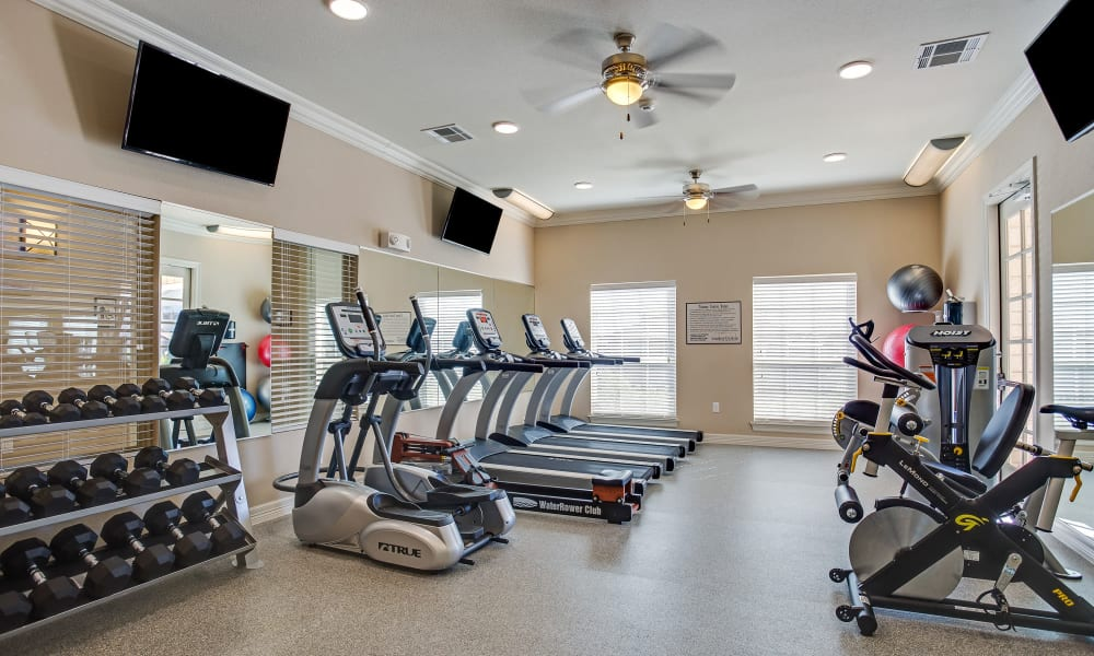 Longhorn Crossing offers a fitness center in Fort Worth, Texas