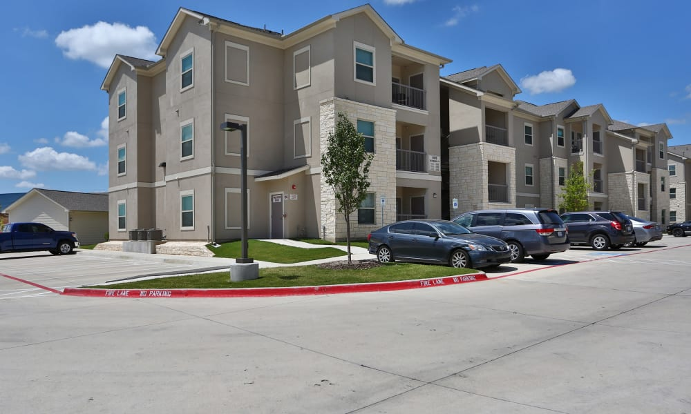 Apartments exterior view at Longhorn Crossing in Fort Worth, Texas