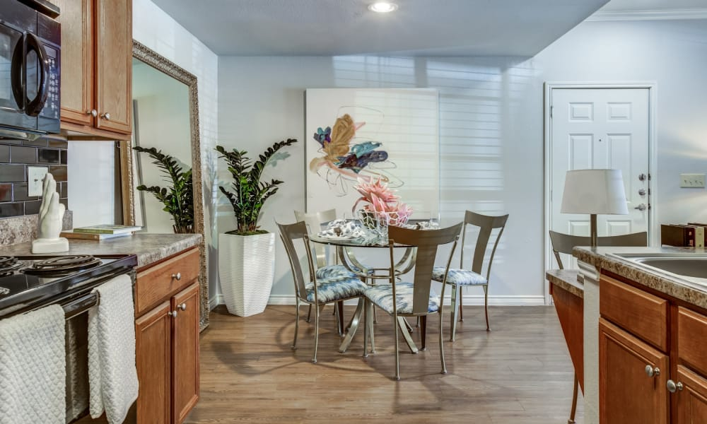 Kitchen and dining room combo at Azul Apartment Homes in San Antonio, Texas