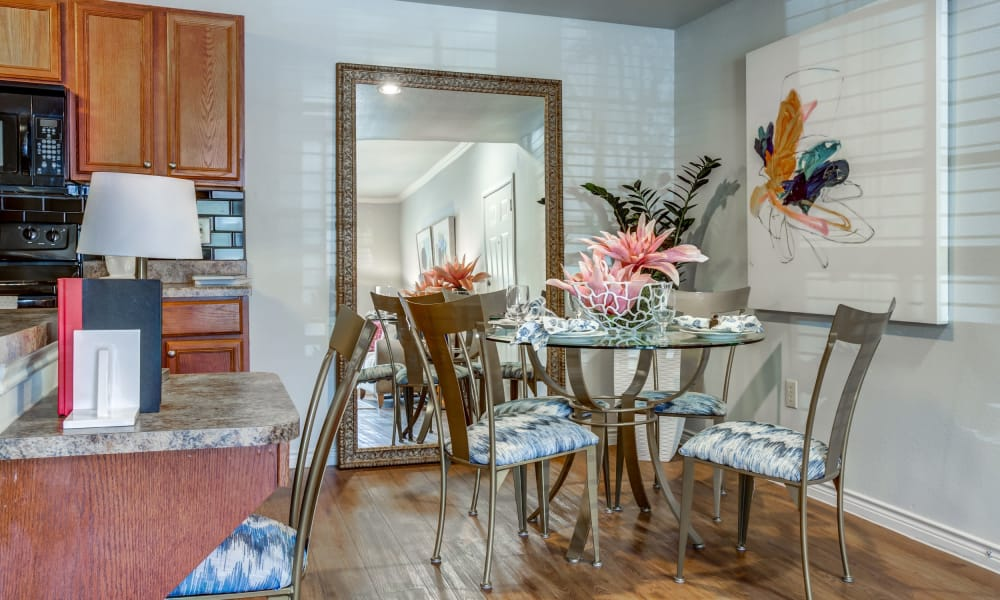 Dining table at Azul Apartment Homes in San Antonio, Texas