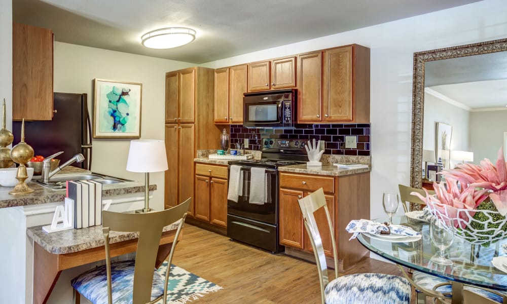 Fully equipped kitchen at Azul Apartment Homes in San Antonio, Texas