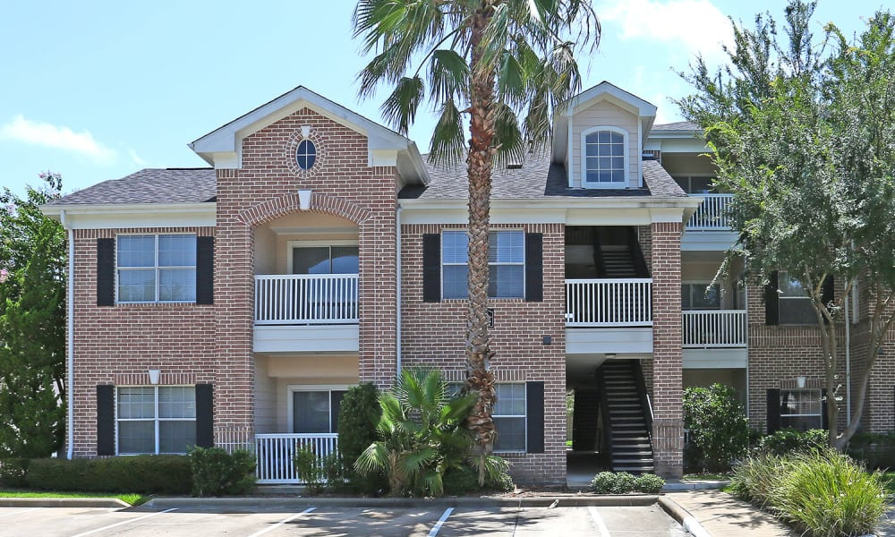 Apartment building exterior view at Ashley House in Katy, Texas