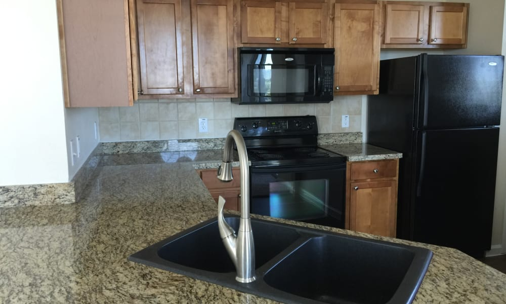 Club at Stone Oak offers a fully equipped kitchen in San Antonio, Texas