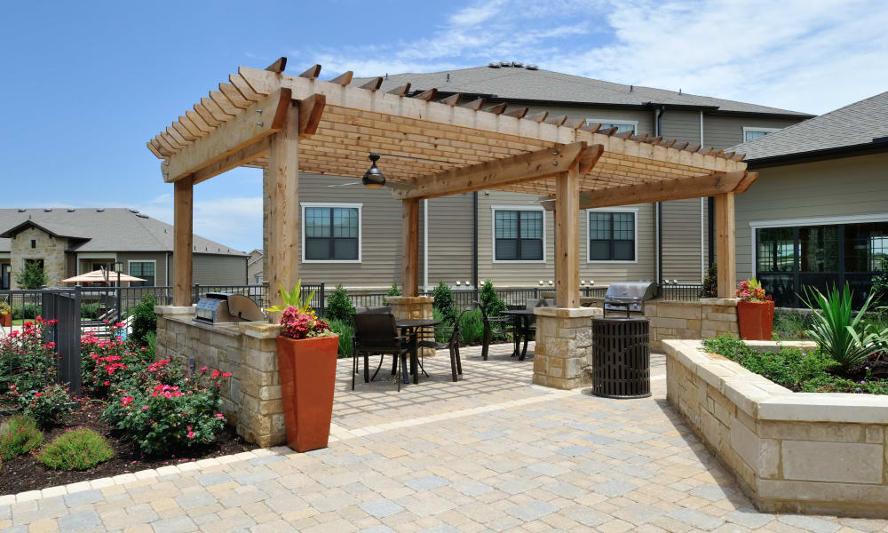 Barbecue area at Cordevalle Apartments in Round Rock, Texas