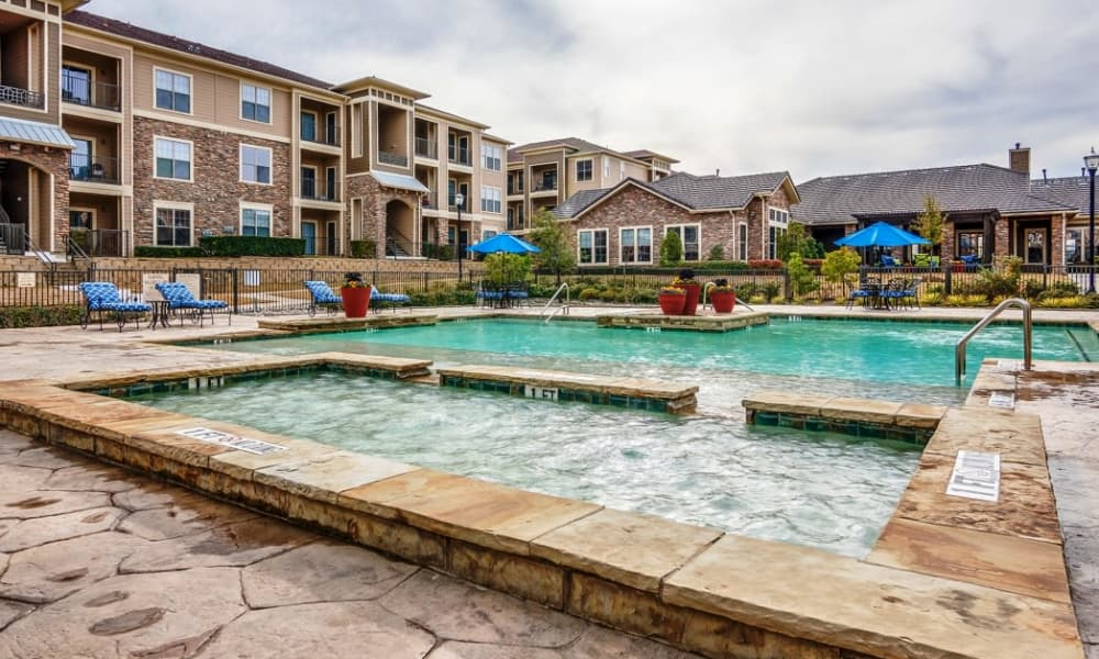 Riverside Villas offers a swimming pool in Fort Worth, Texas