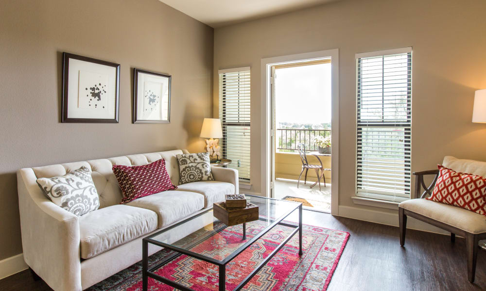 Our apartments in Bee Cave, Texas have a naturally well-lit living room