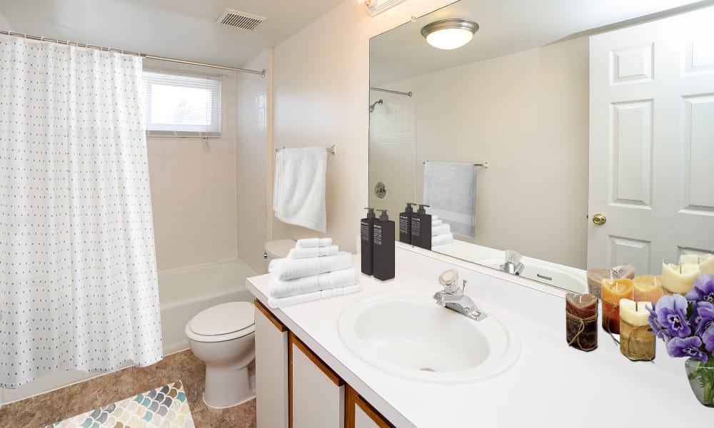 Beautiful bathroom at Seagrass Cove Apartment Homes in Pleasantville, New Jersey