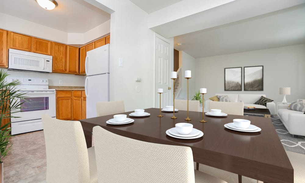 Dining room at Seagrass Cove Apartment Homes in Pleasantville, New Jersey
