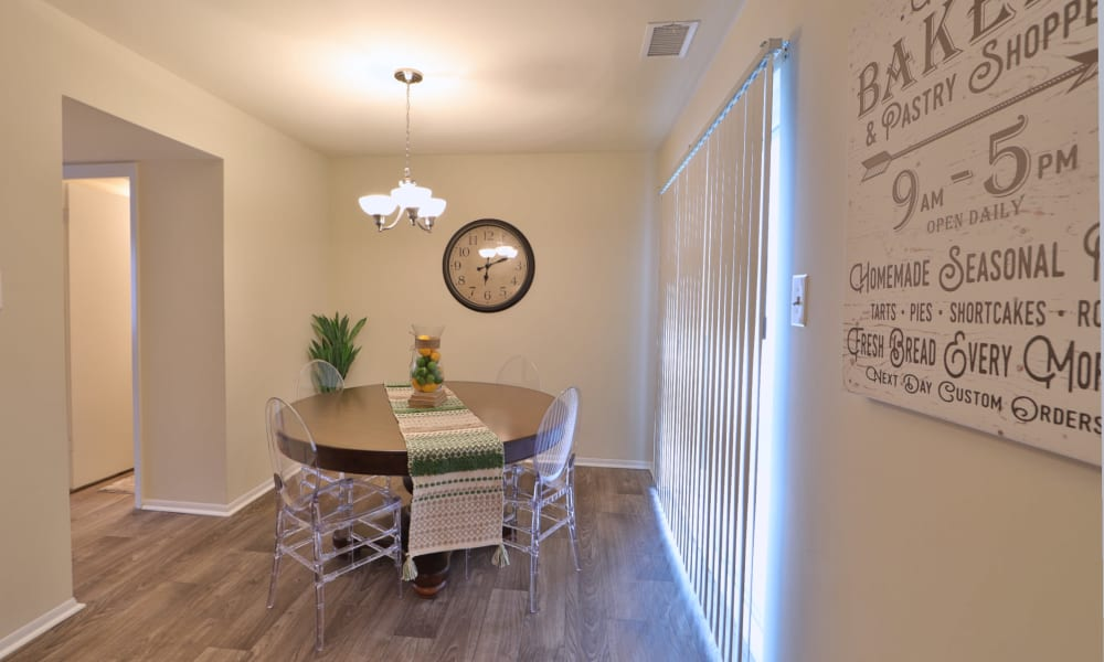 Dining area at The Townhomes at Diamond Ridge in Baltimore, MD