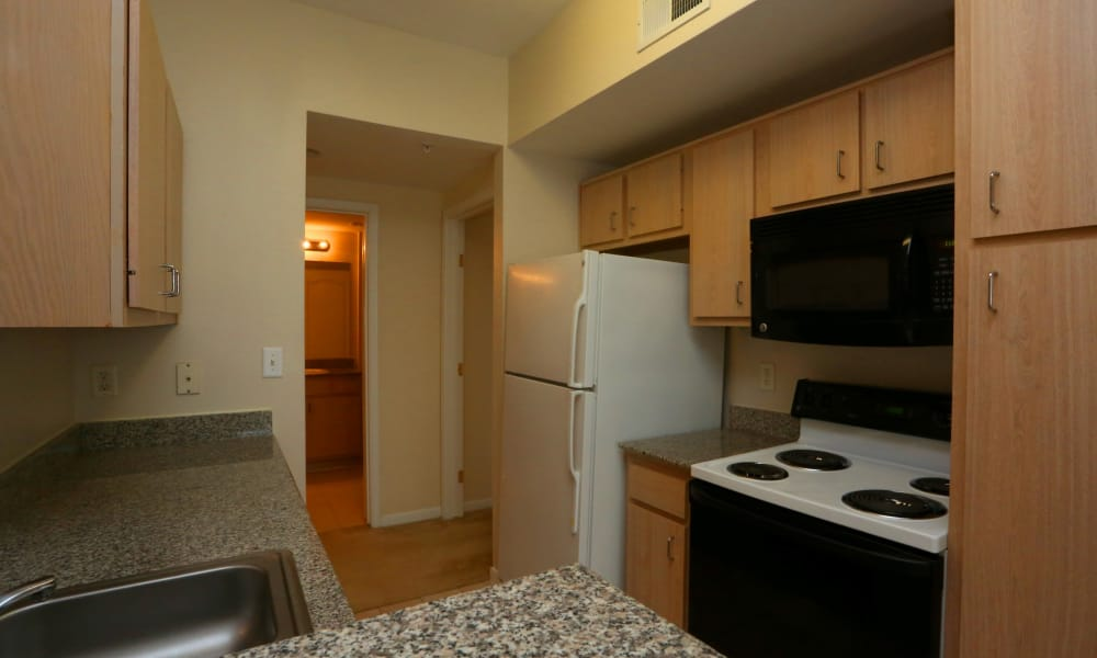 Fully equipped kitchen at Cornerstone Ranch Apartments in Katy, Texas