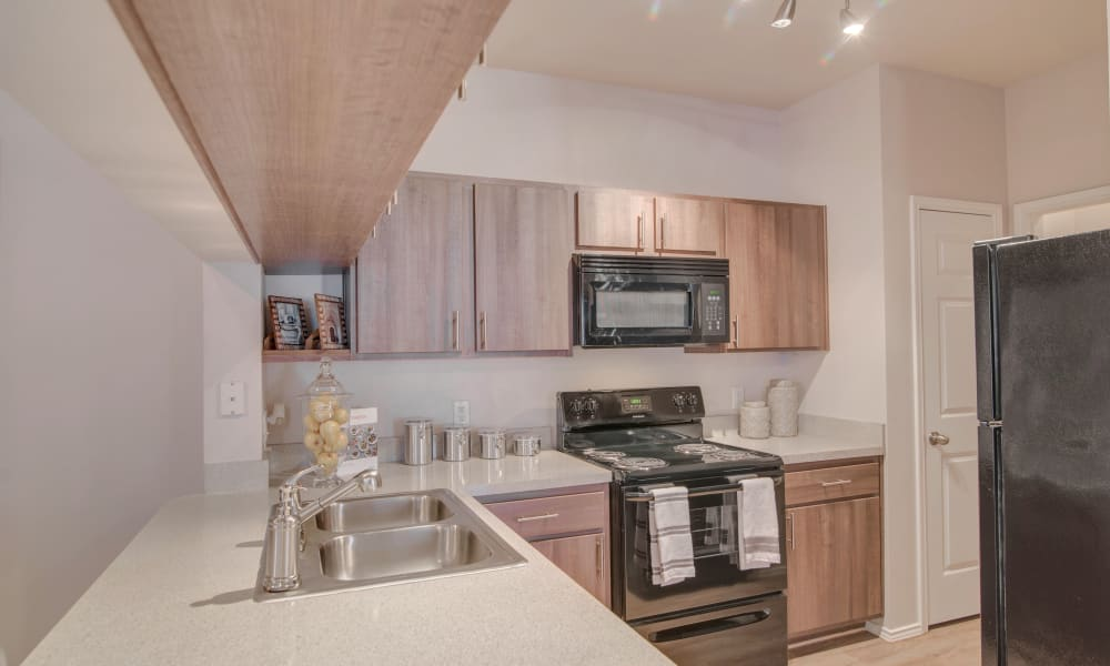 Thornbury Apartments offers a fully equipped kitchen in Houston, Texas