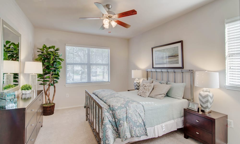 Thornbury Apartments offers a spacious bedroom in Houston, Texas