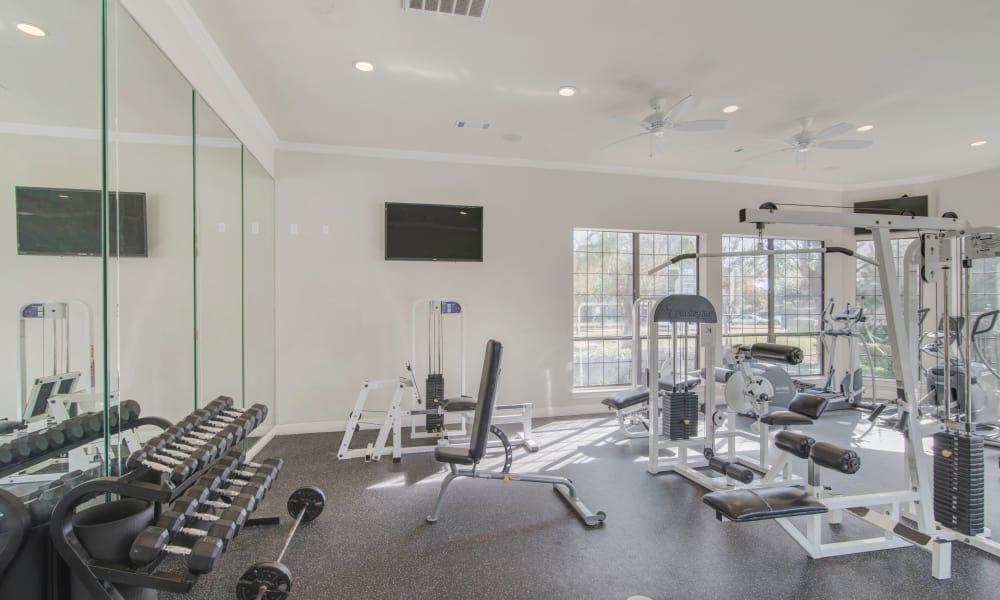 Fitness center at Thornbury Apartments in Houston, Texas