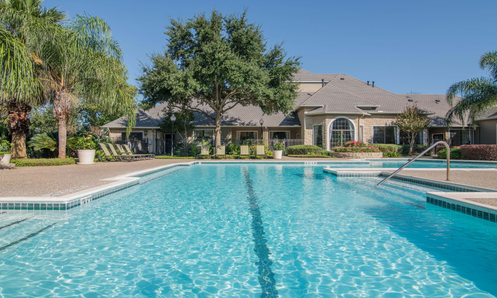 Thornbury Apartments offers a swimming pool in Houston, Texas